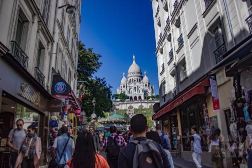 Heading towards Sacré-Cœur